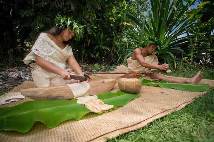 tapa making at Kealakekua